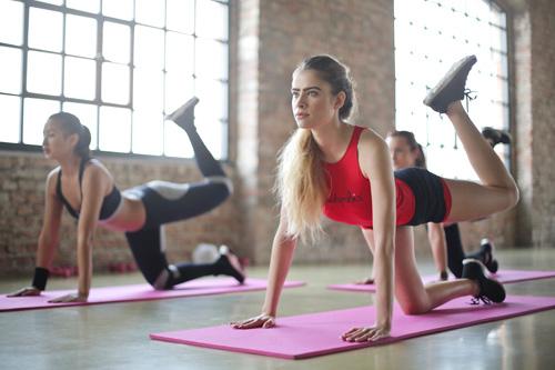 La pratique du fitness en salles de sports fitness