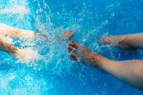 gym aquatique pieds aquagym